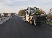 Straßenbau mit digitalen Assistenten: WOLFF & MÜLLER saniert die Fahrbahndecke auf der A81