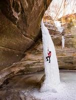Vielseitige und aufregende Winterattraktionen in Illinois: Lichtspektakel, Adler, Wintersport- und Outdoor-Spaß