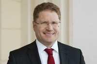 """Patrick Graichen, Direktor der Agora Energiewende, ist """"Energiemanager des Jahres 2018"""""""