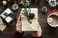 Weihnachten: 19% der Deutschen leihen sich Geld für Geschenke