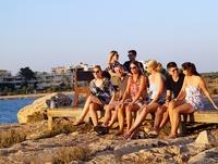 Sunwave bringt ersten Magalog für Singles und Alleinreisende