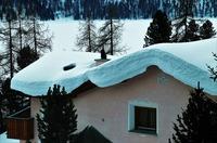 Viel Schnee, große Last: Gefahr für Garagendächer