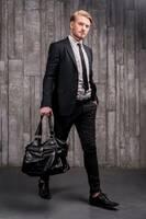 Hochwertige Schuhe Übergrößen Herren: elegante Halbschuhe oder modische Sneaker