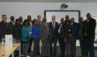 Delegation aus Kenia besucht das Leibniz-Institut DSMZ in Braunschweig