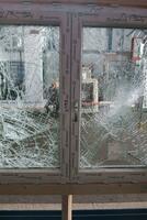 JOLEKA entwickelt RC3-Sicherheitsfenster aus Kunststoff
