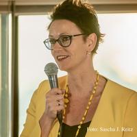 """Katja Michalek ist als """"Wiederholungstäterin"""" eine der Top Speaker auf der 2. Speaker Cruise der Welt vom 31.3.-1.4.2019"""