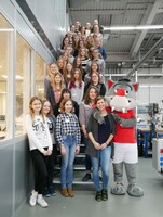showimage Mädels für Technik begeistern: Wolf empfängt 26 Schülerinnen zum Girls'Day
