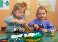 showimage Ostereier bemalen: Kinder vor Salmonellen schützen