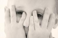"""""""Ist mein Kind nur schüchtern oder leidet es an Mutismus?"""