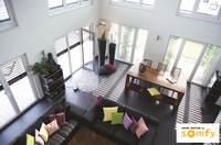 Sicherheit und Komfort mit Fingerhut Haus: So wertvoll sind intelligente Rollläden