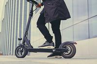 Unfälle mit E-Scootern vermeiden - Tipp der Woche der ERGO Versicherung