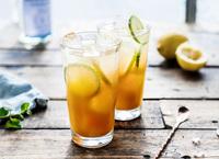 Durstlöscher für heiße Tage: 2 tolle Rezept-Ideen für selbstgemachte Limonaden