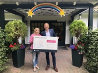 E WIE EINFACH spendet nach Hicycle-Charity Event: 15.000 Euro für das Hamburger Kinder-Hospiz Sternenbrücke