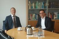 Bundestagsabgeordneter Falko Mohrs zu Besuch bei der DSMZ in Braunschweig