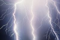 Schutz vor Starkregen, Blitz & Co. - Saisonale Verbraucherinformation der ERGO Versicherung