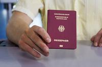 Was ist ein Zweitpass? - Verbraucherfrage der Woche der ERGO Reiseversicherung