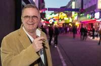"""Schnecke aus der erfolgreichen RTL2-Reportage """"Reeperbahn-Privat"""" führt jetzt Touren über den Kiez"""