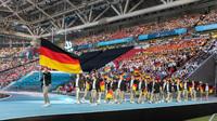 Russland zündet großes Feuerwerk zur Eröffnung der 45. Weltmeisterschaft der Berufe
