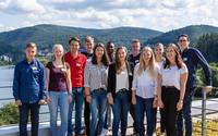 Zwölf Azubis und Studenten starten in ihre berufliche Zukunft