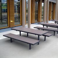 Modernes Design trifft moderne Materialen: Tisch und Hockerbank Lübeck aus HPL