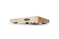 IsoAcoustics DELOS entkoppelt Plattenspieler und HiFi-Komponenten mit innovativer Kombination aus Standfüßen und massivem Holz