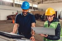 Kompetente Maschinenbedienung in der Blechbearbeitung