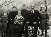 Call for entries for second August Sander Award - Prize for Portrait Photography