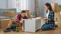 Frauen oder Männer - Wer beim Möbelkauf die Hosen anhat?