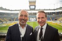 wee stellt auf dem wee ARENA SUMMIT weltweit erstes offenes Stadion-Bezahlsystem vor