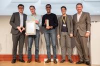 Erste Fachauskunft zu aktuellen Krebs-Studientherapien: iuvando gewinnt EY Public Value Award