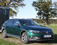 Pferdeanhänger-Zugfahrzeugtest VW Passat Alltrack auf Mit-Pferden-reisen.de
