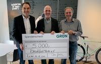 GRÜN spendet 5.000 Euro für breakfast4kids e.V.