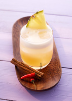 Prickelnde Weihnachten mit Mineralwasser-Cocktails