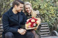 Gewinnspiel zum Valentinstag 2020: Fleurop verlost Nachhilfe in Sachen Liebe