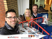schuhplus und Gore Tex spenden Schuhe von FretzMen an Wohnungslose in Leer