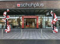 Schuhe in Übergröße bei schuhplus in Kaltenkirchen