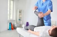 Essen/Oberhausen: Facharzt für Orthopädie trotz Einschränkungen für Patienten da