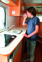 Wassertank reinigen mit Zitronensäure ist gefährlich