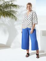 Angelina Kirsch präsentiert neue Curvy-Mode für Aldi