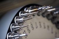 Protolabs baut Kapazitäten und Möglichkeiten für Bearbeitung großer Bauteile im CNC-Verfahren aus