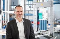 Proton Motor mit Wasserstoff-Brennstoffzellen in High-Tech-Vorreiterrolle