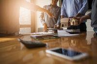 Corona und Immobilienfinanzierungen - Wiesbadener Unternehmen steht Kunden zur Seite