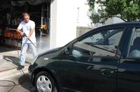 Auto waschen auf dem Privatgrundstück? - Verbraucherfrage der Woche der ERGO Rechtsschutz Leistungs-GmbH