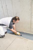 Rissinjektion und Flexbandsystem machen Beton dicht