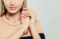 Edel, zeitlos und unfassbar glamourös: Perlen sind der Schmuck-Trend 2020