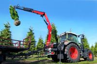 Neu - erster wechselbarer Anbauladekran für Traktoren