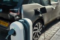 NewMotion und BMW Group kooperieren für gemeinsames Angebot für BMW Group-Kunden und -Händler in Deutschland