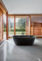 Mehr Struktur - und etwas Drama: Badewannen von Bette in mattschwarz