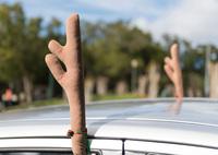 Ist Weihnachtsdeko am Auto erlaubt? - Verbraucherfrage der Woche der ERGO Rechtsschutz Leistungs-GmbH