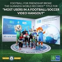 """Neuer GUINNESS WORLD RECORDS™ von """"Football for Friendship"""": Über 1.000 junge Fußballer aus mehr als 100 Ländern"""